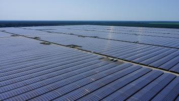 Developing renewable energy: From Bordeaux to Benin, wherever the sun shines