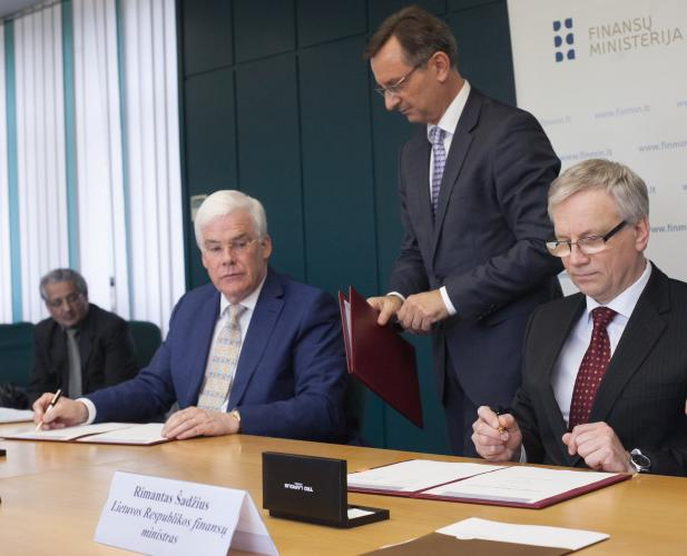 Lithuania signs agreements with EIB to support for two major investment