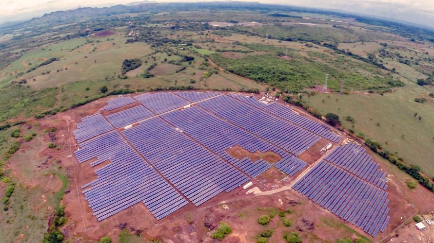 Spain: COP 25 - Climate change - The EIB finances one of the largest solar plants